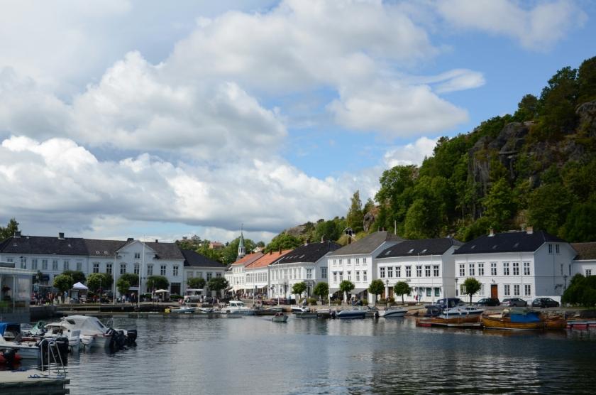 Hafen und Häuser in Risør