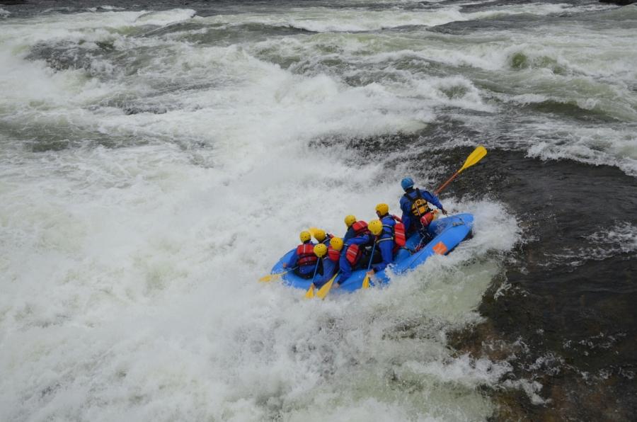 Riverrafting bei den Stromschnellen des Syrtveitfossen (Evje)