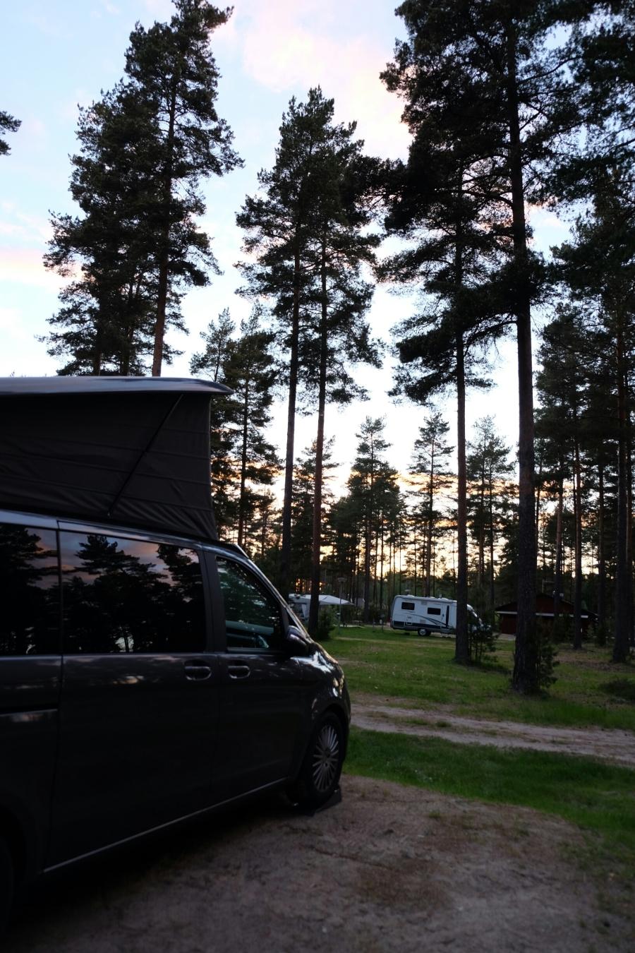 Marco Polo in Abendstimmung auf dem Campingplatz von Råda