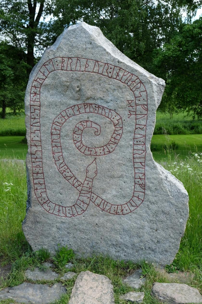 Runenstein bei Schloss Gripsholm