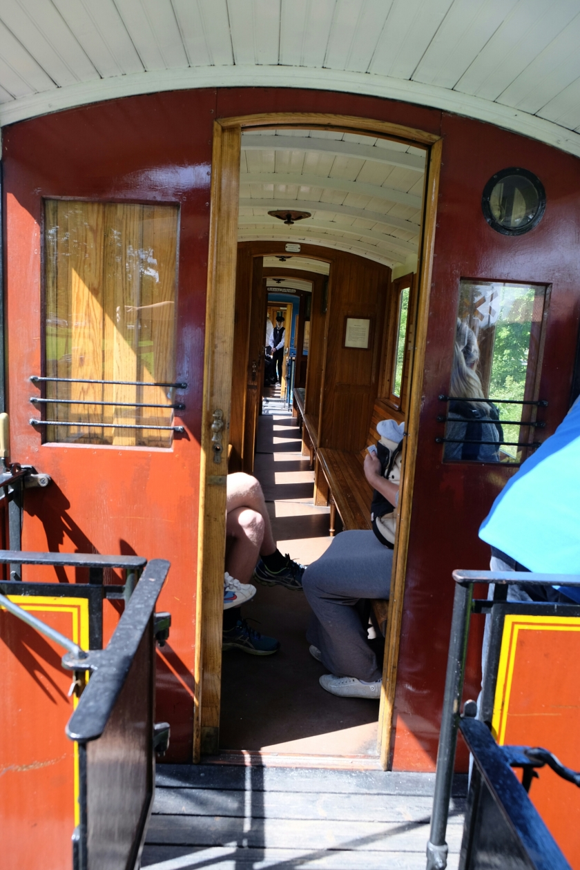 Wagen der Östra Södermanlands Järnväg (älteste Museumseisenbahn Schwedens)