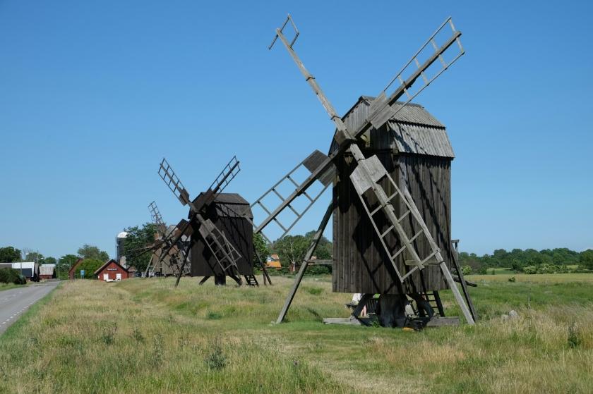 Lehrkaka väderkvarnar (Bockmühlen) auf Öland