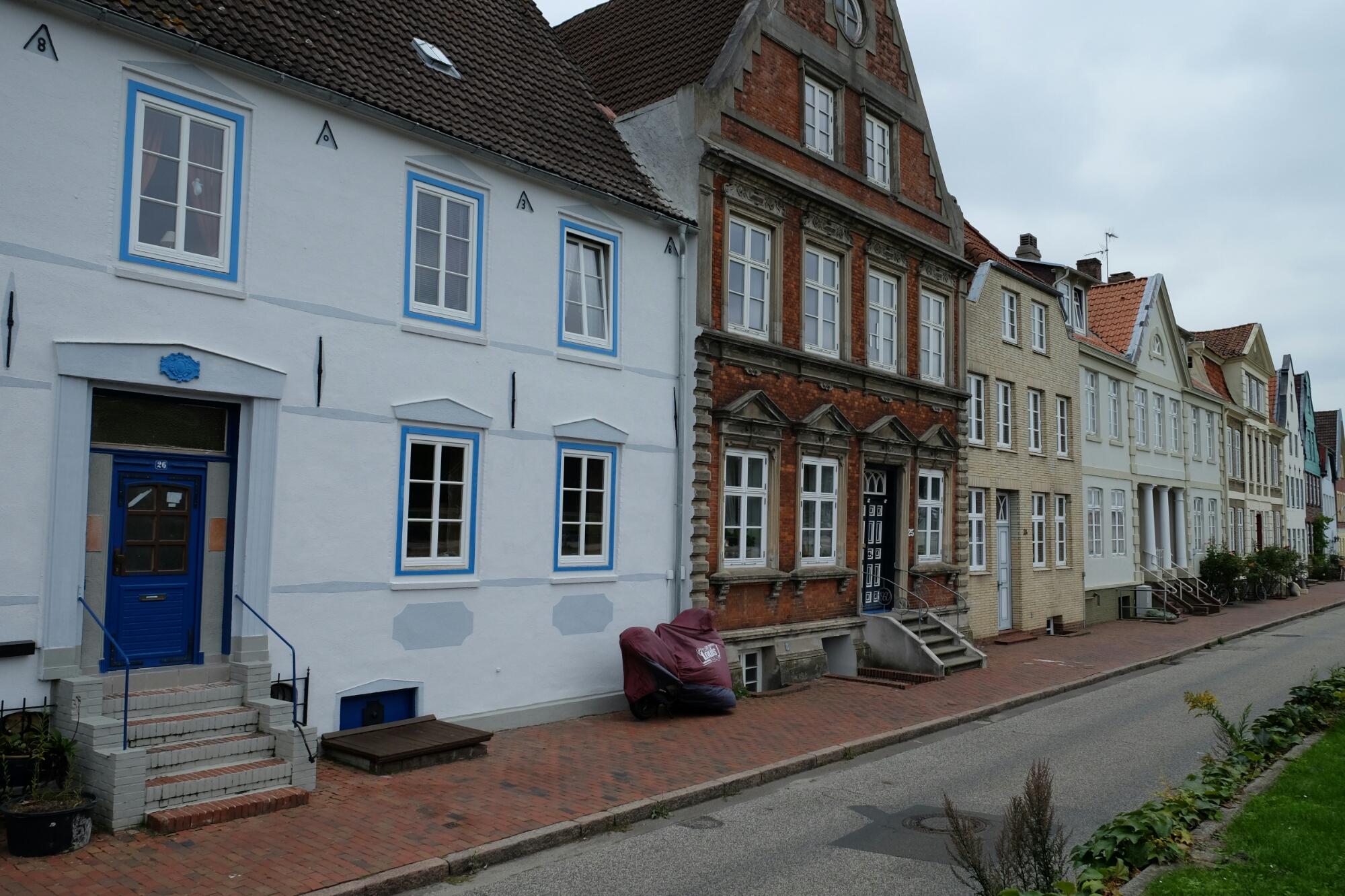 Historische Häuserzeile in Glückstadt