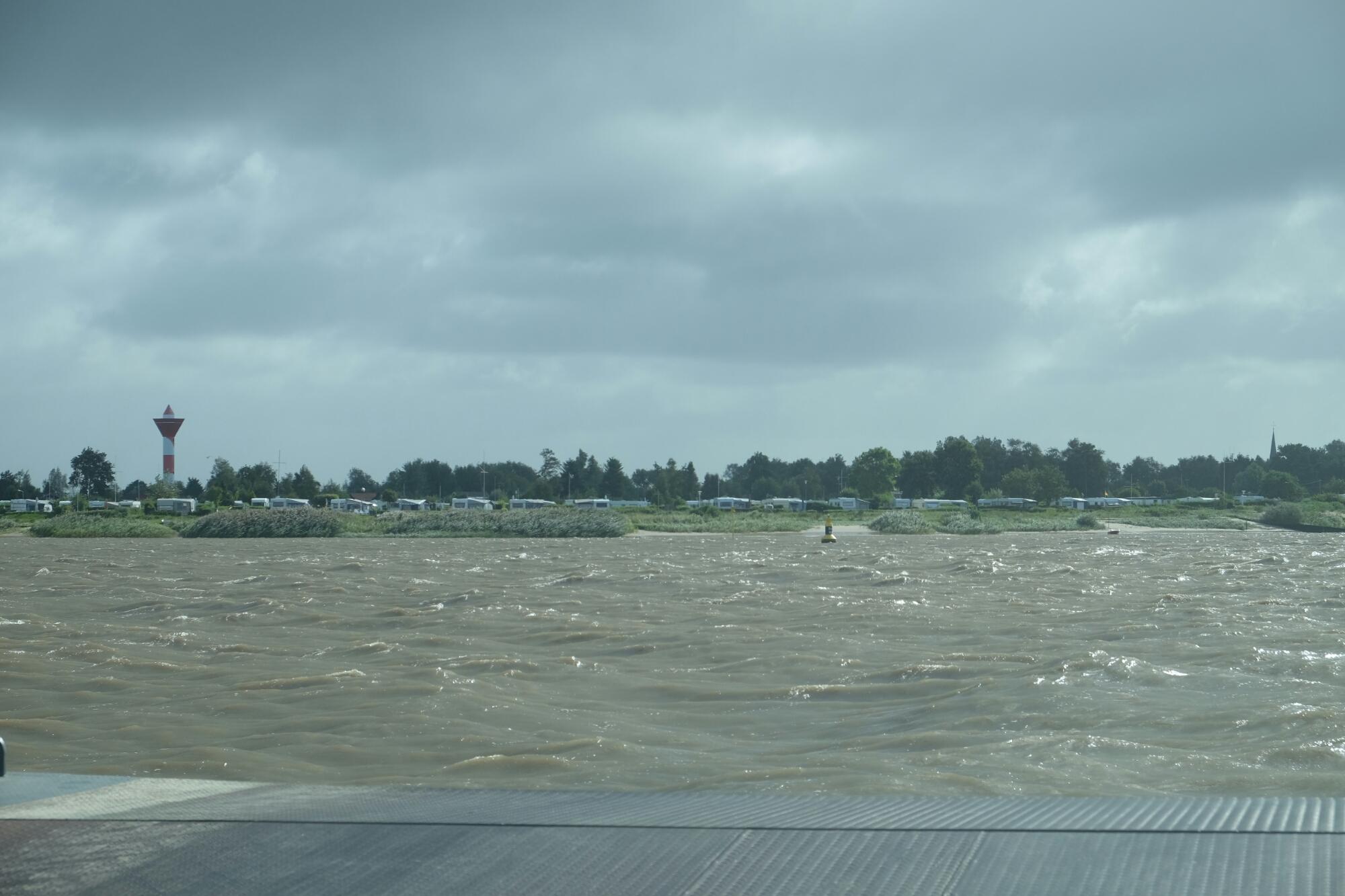 Fähre über die Weser zwischen Sandstedt und Brake