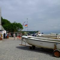 Hafen des Fischerdorfs Vitt mit Räucherei