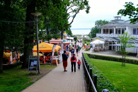 Weg zur Göhrener Strandpromenade