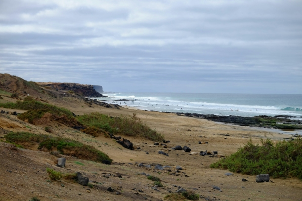 Blick vom Fuss der Klippe auf die Playa del Castillo