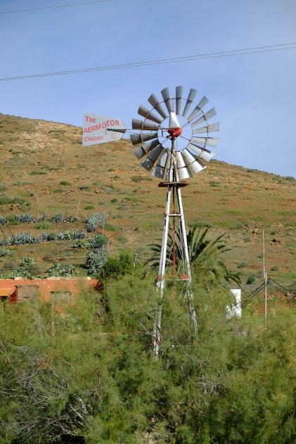 Windgetriebene Wasserpumpe in Vega de Río Palmas