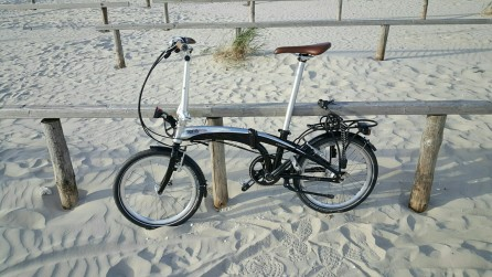 Mein Fahrrad auf dem Strandparkplatz