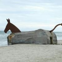 """""""Bunker/Mule"""" an Strand von Blåvand"""
