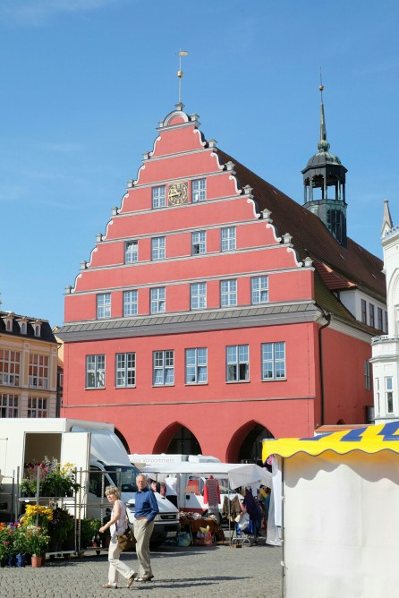 Ratshaus am Martkplatz in Greifswald