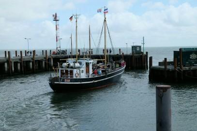 Gret Palucca beim Auslaufen aus dem Lister Hafen