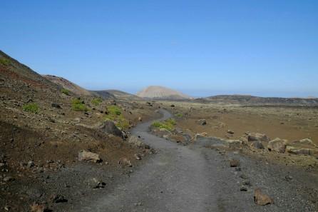 Weg am Fuss der Montaña Colorada