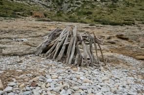 Strandskulptur an der Cala Muerta