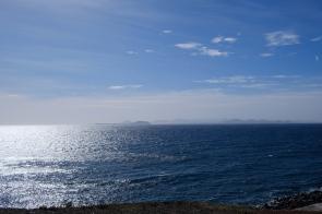 Aussicht auf Fuerteventura von der Promenade in Playa Blanca