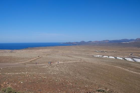 Weitsicht von der Montaña Roja zu den Feuerbergen