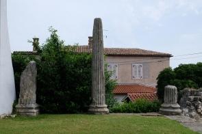 Ruinen eines römischen Tempels in Poreč