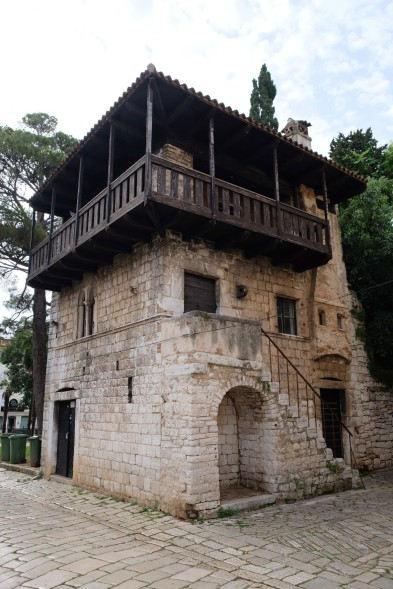 Romanisches Haus aus dem 13. Jh. in Poreč