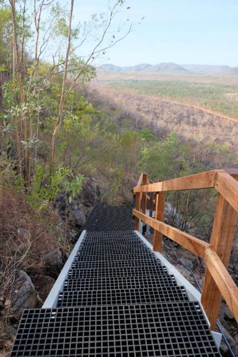 Treppenstufen auf die Gunlom Falls