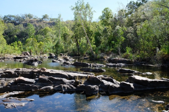 Wasserlauf bei Maguk Falls