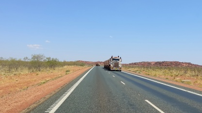 Road Trains auf Great Northern Hwy (Port Hedland nach Auski)
