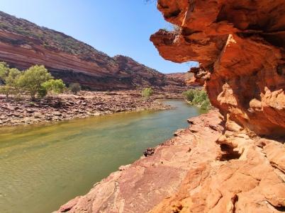 Entlang der Felswand des Murchison River
