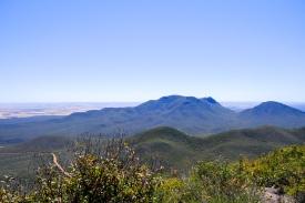 Ausblick vom Mount Hassel zum Toolbrunup Peak