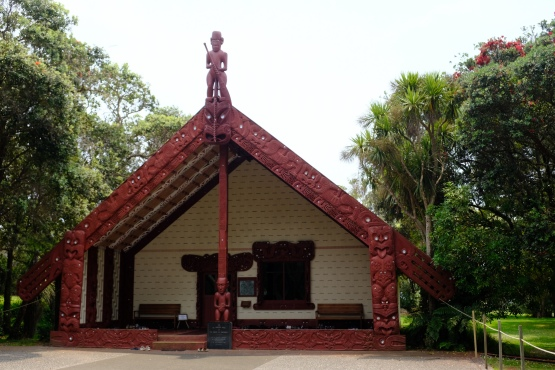 Marae (geschnitztes Haus)