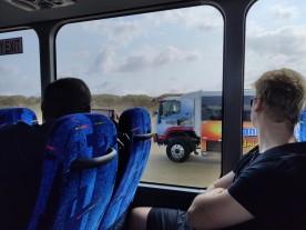 4WD Busse am Überholen