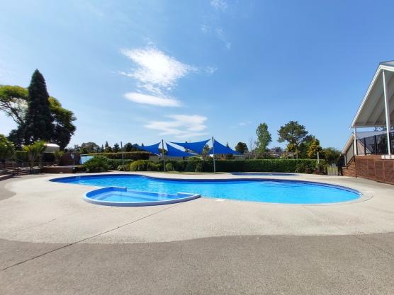 Cooks Beach Resort