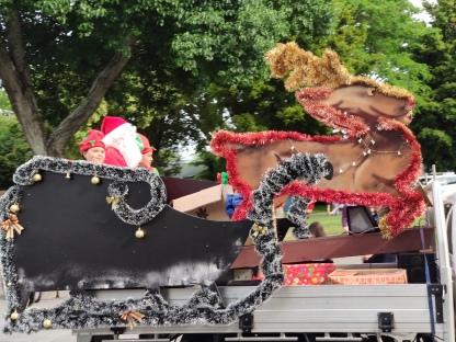 Santa Claus (Top10 Holiday Park in Motueka)